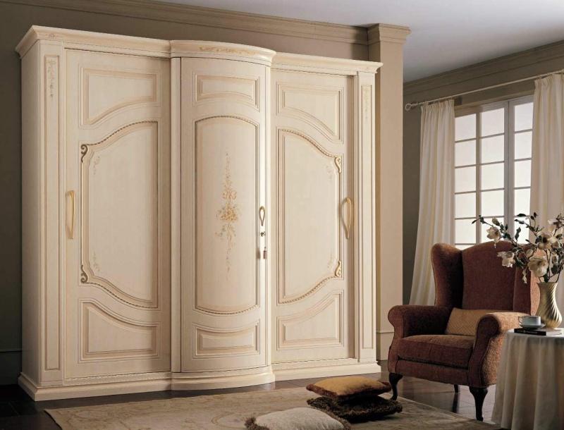 Шкаф 3-х дверный декорирован росписью ручной работы Armadi