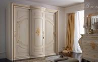Белый шкаф в классическом стиле с роздвежными дверцами Armadi