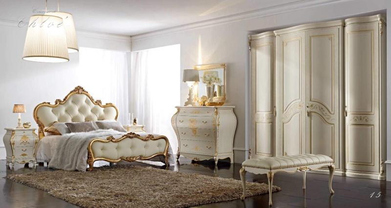 Комплект мебели для спальни с использованием элементов позолоты Camere