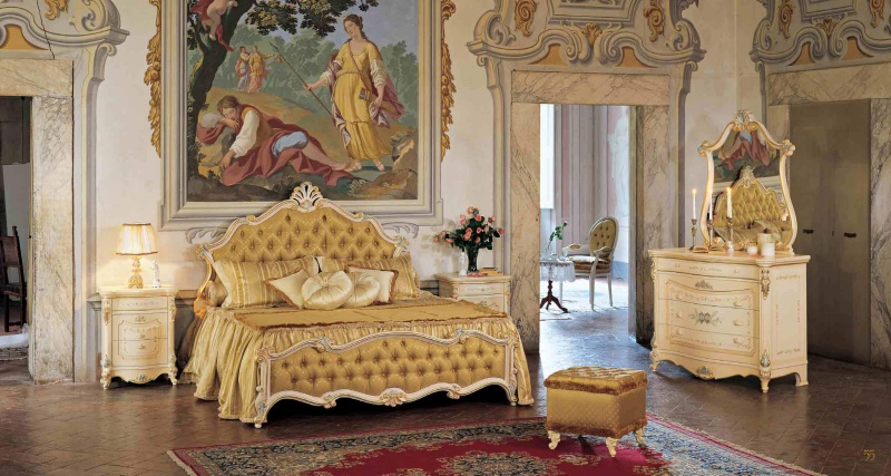 Спальный гарнитур бежевого цвета с коричневой обивкой Prestige