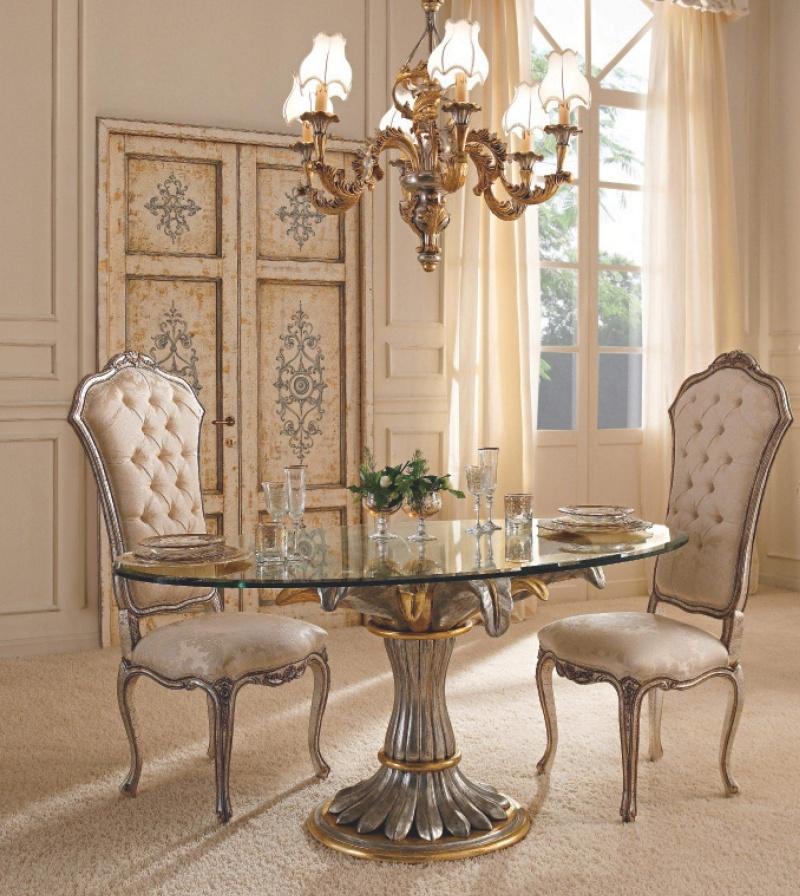 Стекляный столовый стол с ножкой в виде цветка и два стула  Giorno