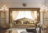Гостинный диван на резных ножках обивка гобелен Giorno Andrea Fanfani
