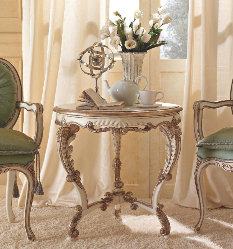 Круглый столик на резных ножках  белого цвета Giorno