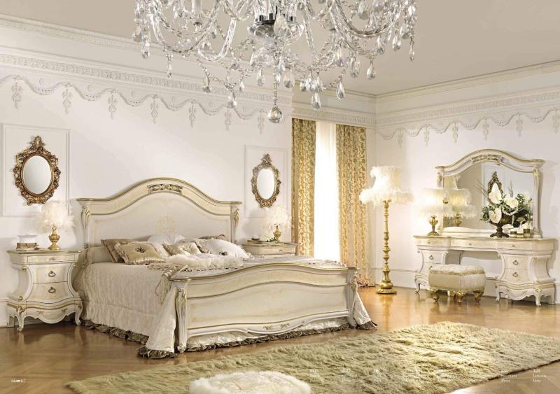 Гарнитур для спальной комнаты белого цвета и золотом Antonelli Moravio AM
