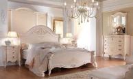 Белая кровать для спальни с ажурной резьбой Prestige  Barnini Oseo