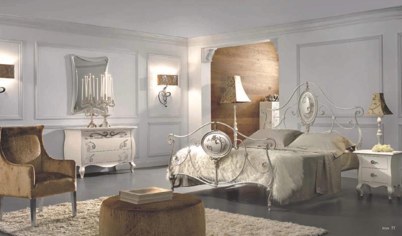 Двуспальная кровать с кованым изголовьем и изножьем Notte