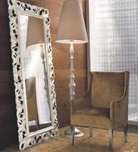 Зеркало с ажуром - торшер и мягкое кресло - Италия Notte
