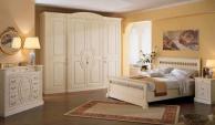 Комплект резной мебели для спальни Armadi 2010