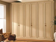 Большой шкаф с  эфектом патины Hilton