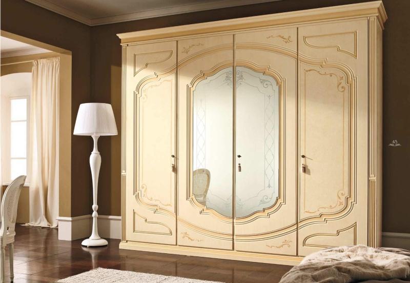 Гардеробный шкаф - патинированый с зеркальными вставками  Smeraldo