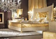 Роскошная спальная кровать с резным изголовьем в золоте Blue Diamond  Lanpas