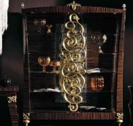 Витрина зебрано - декорирована резьбой в золоте Blue Diamond  Lanpas