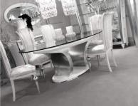 Столовый стол со стекляной столешницей и мягкими стульями Ellelux