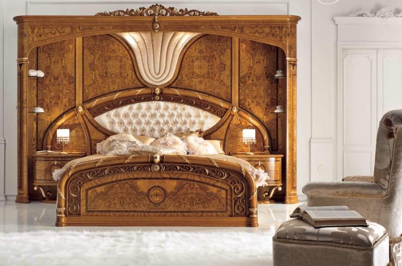 Дорогая кровать из массива - богатые резные элементы Jasmine Valderamobili