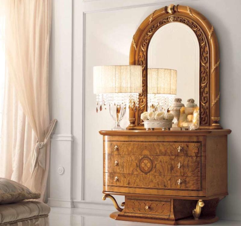 Итальянский комод с зеркалом в резьбе Jasmine  Valderamobili