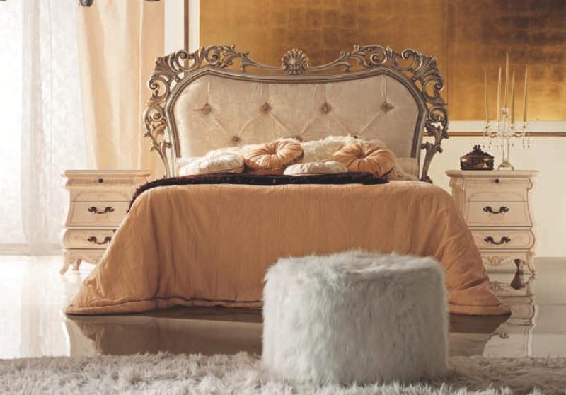 Двухспальная кровать в беже с ажурной резьбой The Book