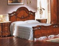 Комплект мебели для спальной комнаты  из массива The Book