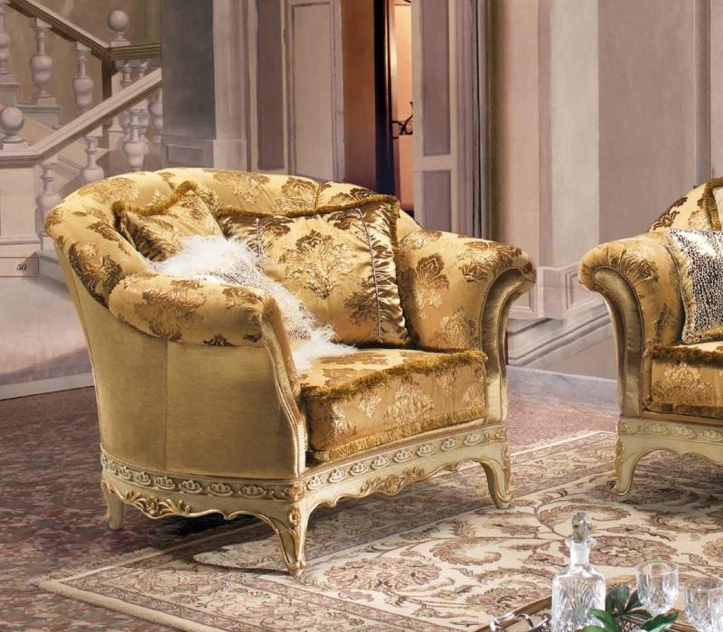 Мягкое кресло в золотой ткани с гобеленом B Linea