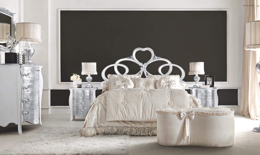 Кровать с резным изголовьям Signorini Coco Rubacuori laccata