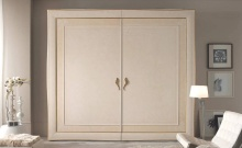 Шкаф в цвете слоновая кость Ferretti e Ferretti
