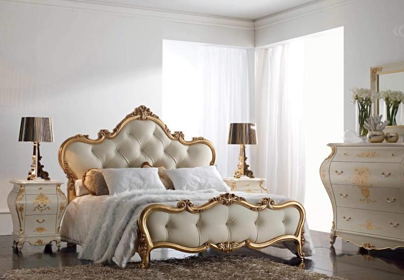 Мебельный гарнитур для спальни с позолотой Armadi
