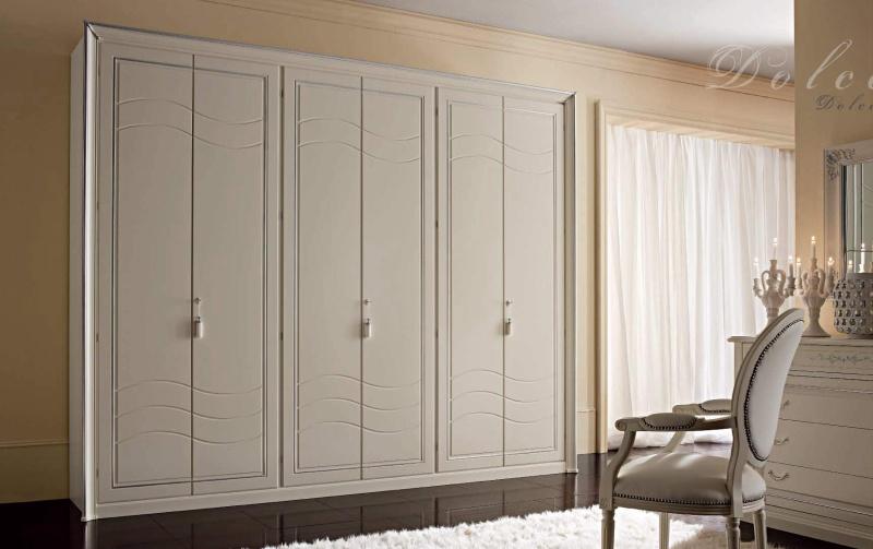 Спальный шкаф в классическом стиле - каркас из массива древесины Armadi