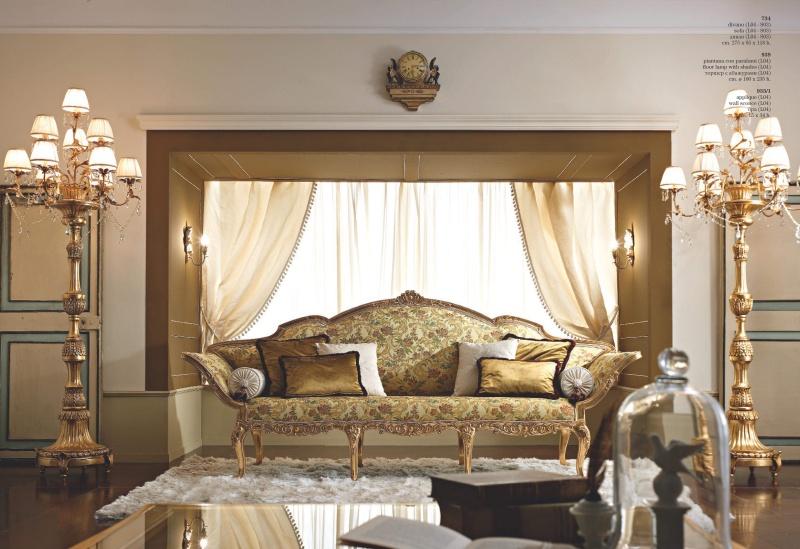 Гостинный диван на резных ножках обивка гобелен Giorno