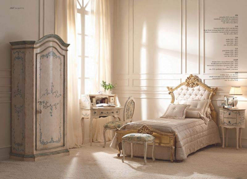 Комплект итальянской мебели для спальни с патиной и позолотой Notte