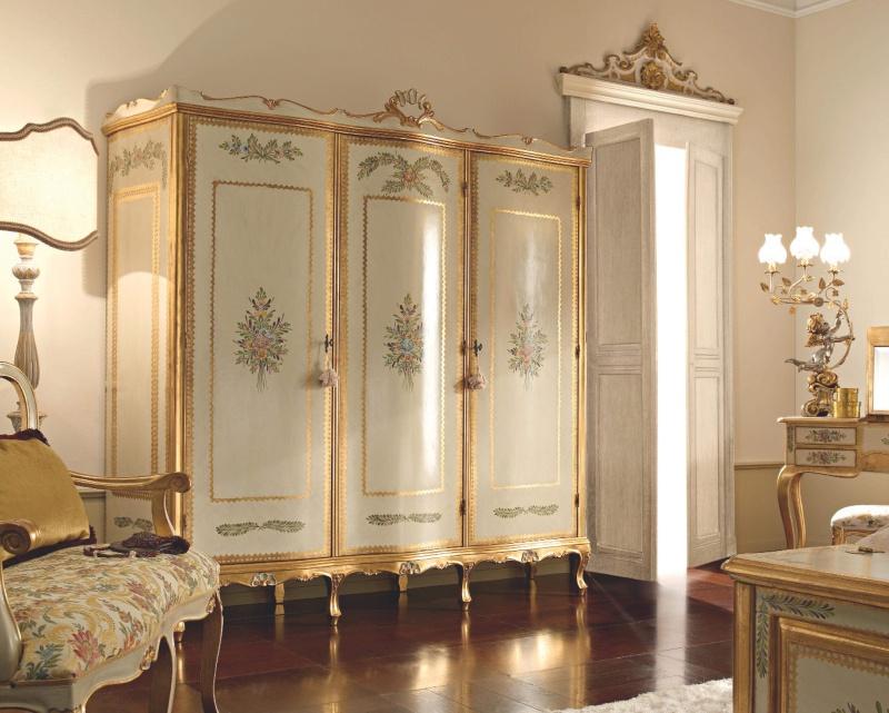 3-х дверный платяной шкаф на ножках с цветным орнаментом Notte