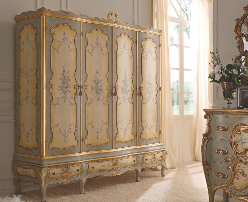 Итальянский патинированый росписной шкаф с позолотой Notte