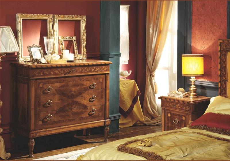 Комод с тремя ящиками - орехового цвета Antico Borgo Neoclassico