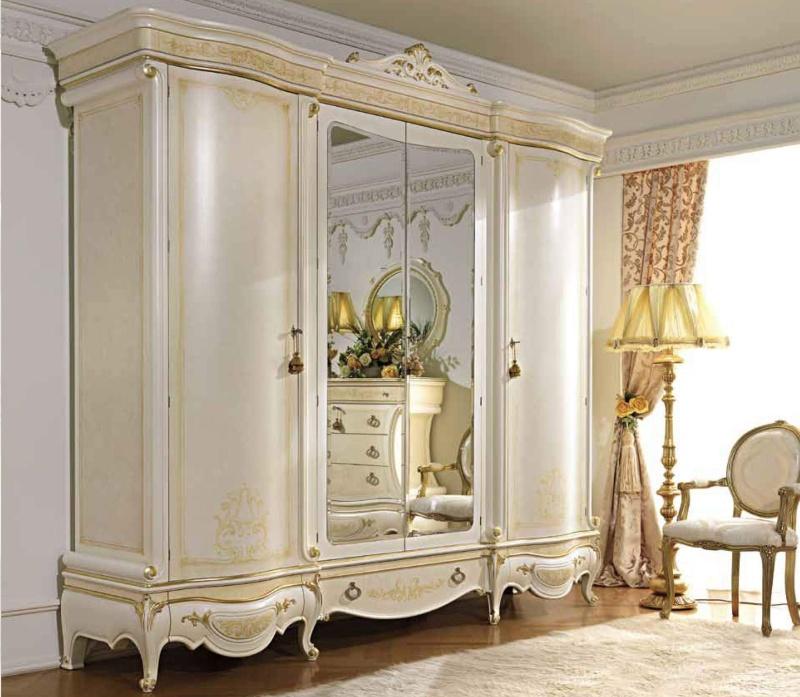 Гардеробный шкаф белого цвета с патиной Antonelli Moravio AM