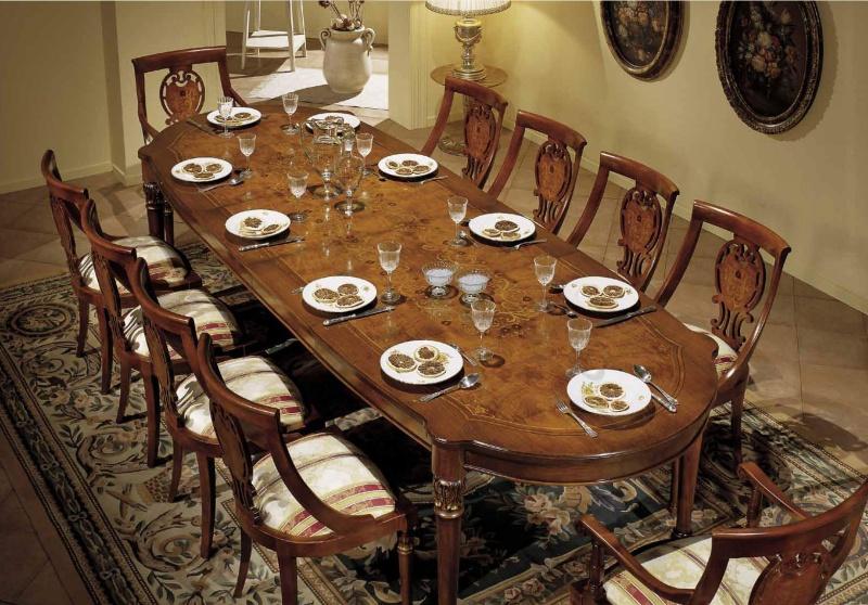 Большой стол в столовою и десять стульев - цвет орех Antonelli Moravio AM