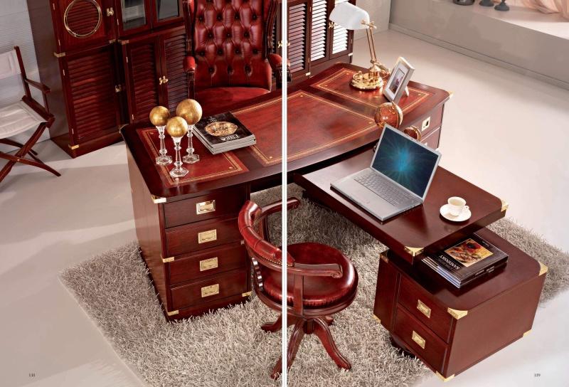 Письменный стол для кабинета из красного дерева Vecchia Marina Caroti