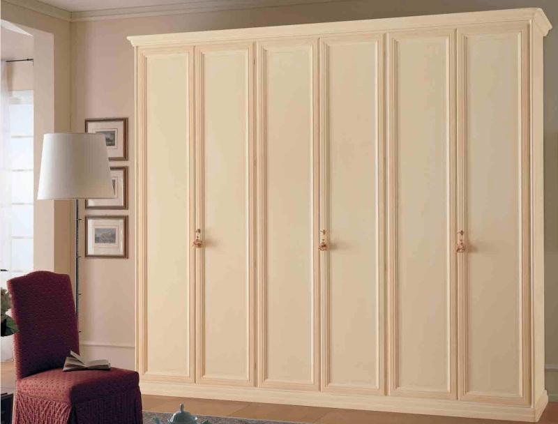 Патинированый шкаф Domus Royal