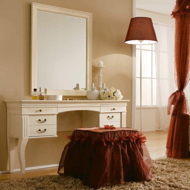 Туалетный стол с зеркалом и мягким пуфом Il Componibile