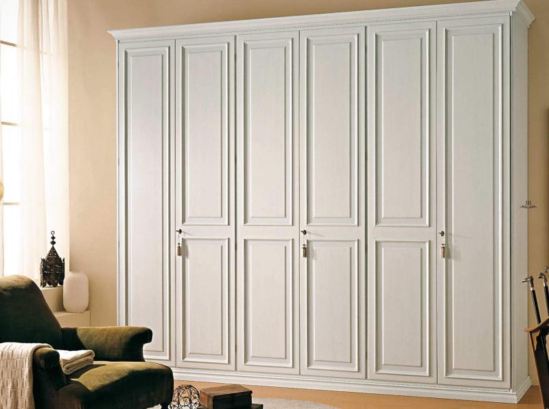 Большой гардеробный шкаф белого цвета Etruria