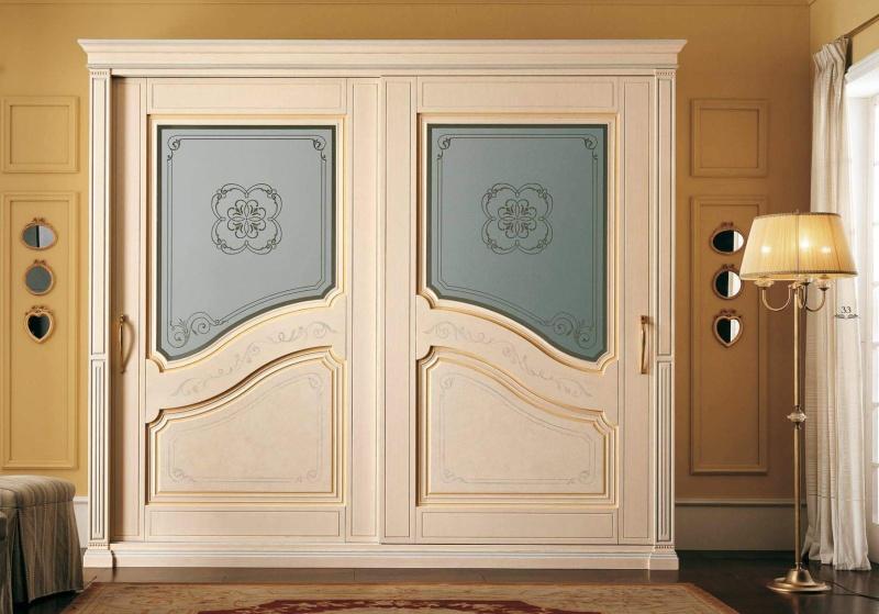 Шкаф - купе в беже с зеркальными вставками Anta Scorrevole