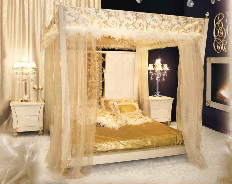 Кровать цвета слоновой кости с балдахином Blue Diamond Lanpas