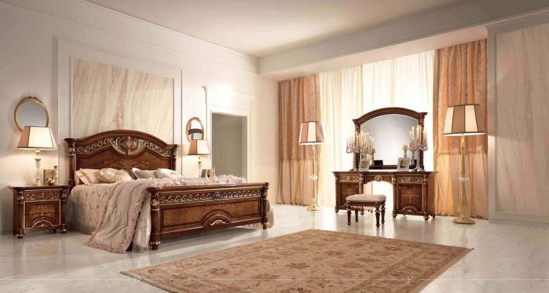 Итальянская спальня - орех с золотом Luigi XVI Valderamobili