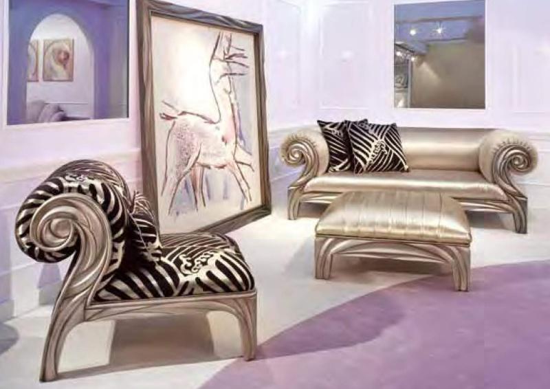 Мягкая мебель в гостиную серебристого цвета и резьбой ручной работы News 2011