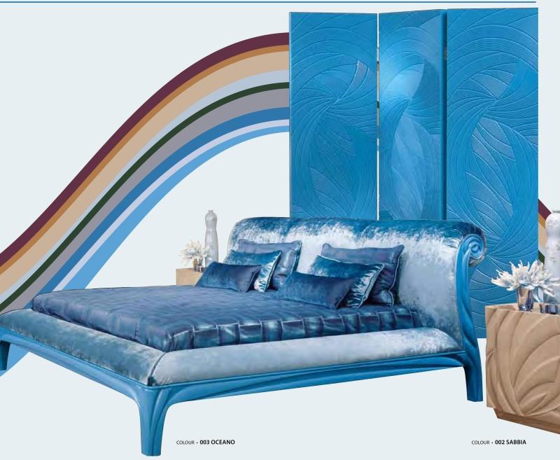 Кровать для спальни в голубой обивке и резьбой ручной работы News 2011