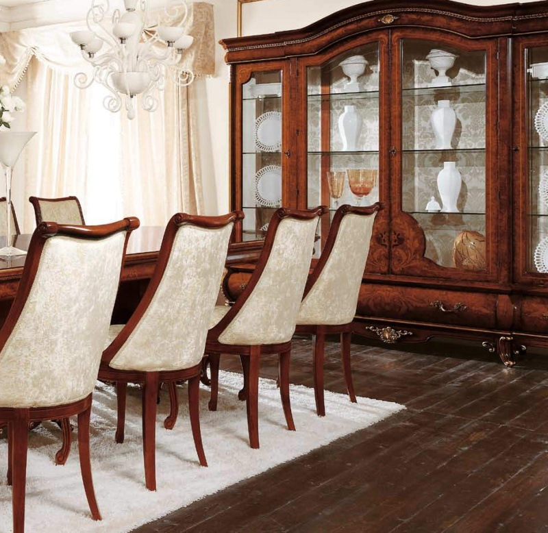 Итальянский гарнитур для столовой комнаты The Book