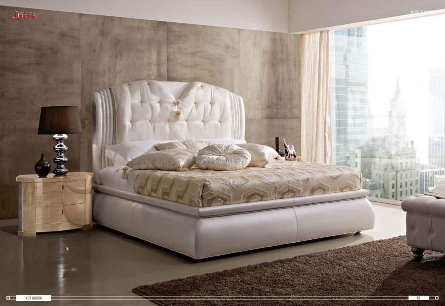 Кровать со вставками сусального серебра Domus Mon Amour