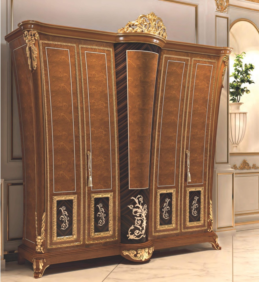 Шкаф с золотым декором ручной работы Signorini Coco La Medicea