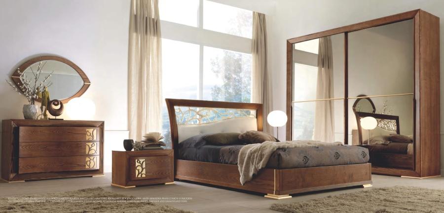 Спальня в отделке орех Signorini Coco Mylife