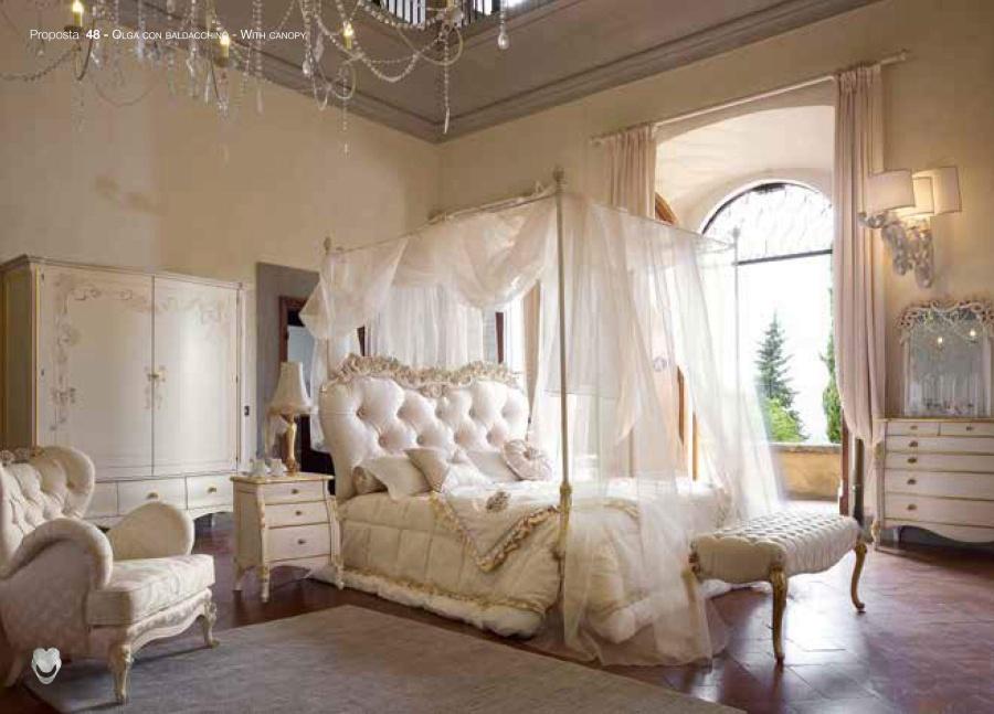 Мебель для спальни изготовлена с высококачественных материалов Volpi Olga