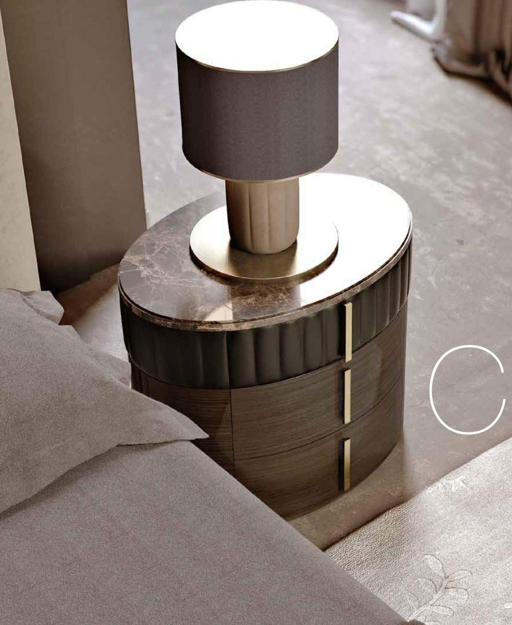 Прикроватная тумба со вставками кожи Signorini Coco Daytona Прикроватная тумба со вставками кожи Signorini Coco Daytona