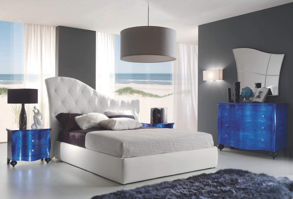 Кровать с глянцевыми прикроватными тумбами Ferretti e Ferretti
